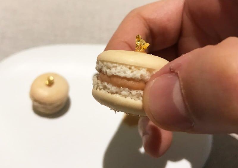 Macaron con foie gras