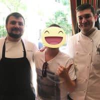 Con lo chef Andrea Bucciarelli e il sous chef Riccardo Zebro del ristorante italiano saint Ambroeusnel West Village a New York