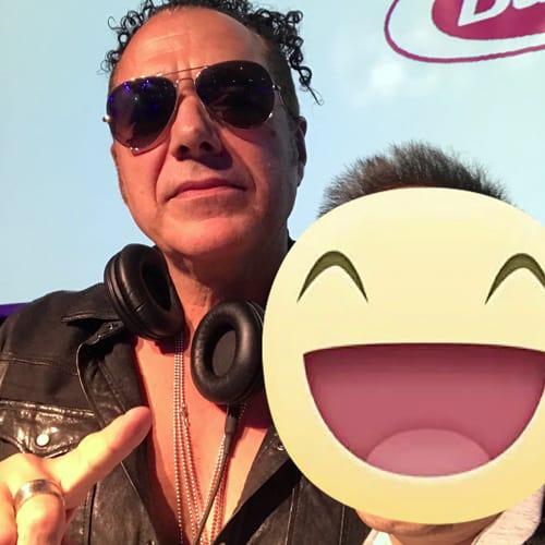 Con il famoso deejay Joe T Vannelli