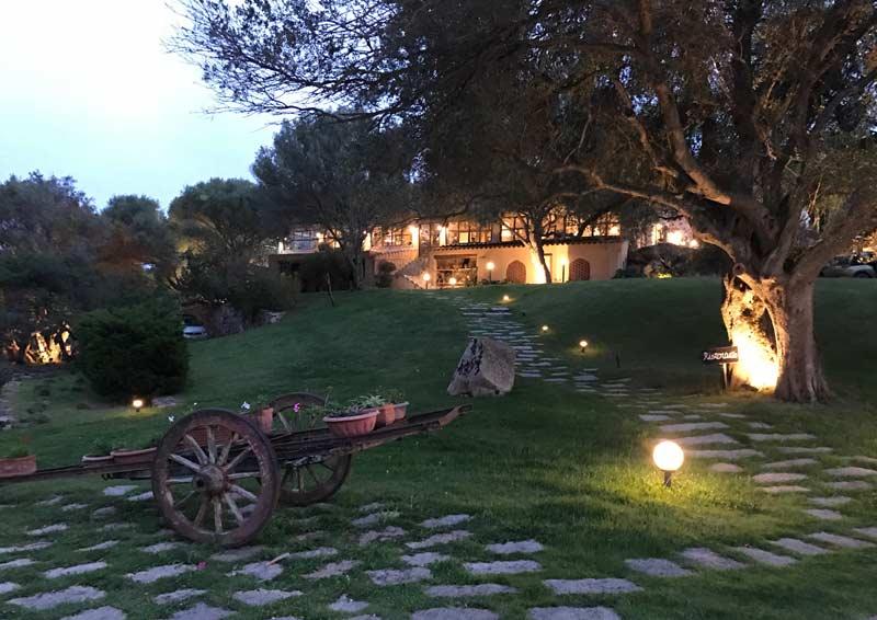 Stazzu Lu Cacciaru Resort - ristorante di sera