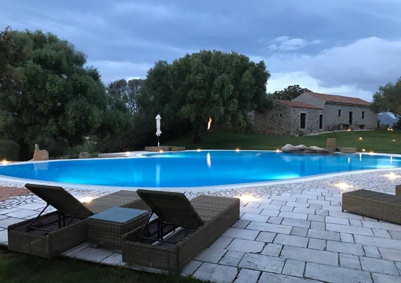 Stazzu Lu Cacciaru Resort - piscina di sera