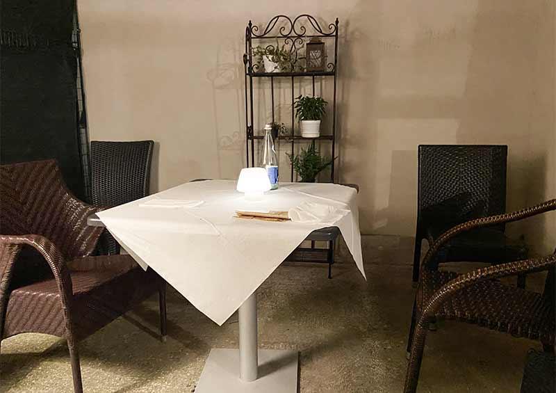 Poesia a Tavola - Fto tavolo sala